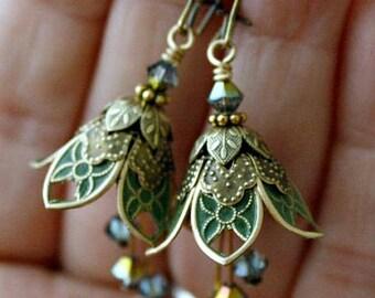 Green Flower Dangle Earrings, Drop Earrings, Women Gift, Wife Gift, Gift For Wife, Gift For Girlfriend, Gift For Her, St Patrick's Day