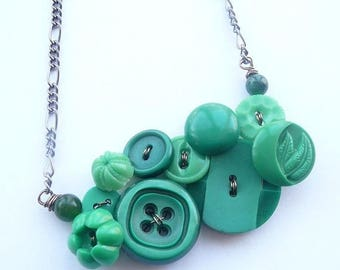 Christmas in July Sale Button Jewelry Bright Green Flower Necklace
