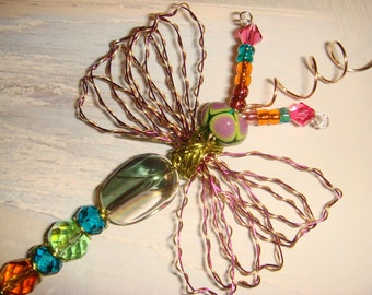 "My #9103 Beautiful! Pretty Green Bug-Eyed Alien Fluttering Dragonfly!..Unique! Ornament! home decor! Size 3""Wx4""L"