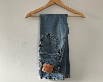 Kids Vintage Levis jeans slim loose fit straight leg jeans Levis 562