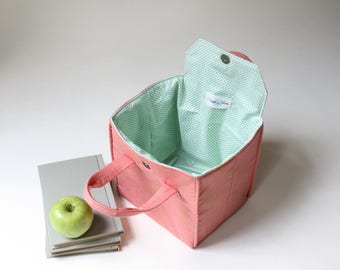 Insulated Lunch Bag in Downtown Lace - Insulated Lunch Tote - Bento Box Carrier - Ready to Ship