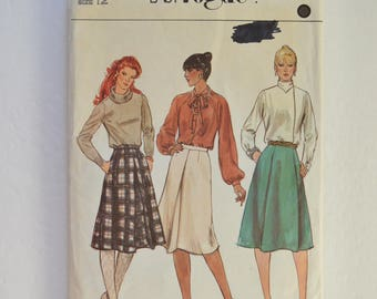 1970s Vintage Vogue Easy Sewing Pattern 8062 Womens A-Line Skirt w/ Inverted Pleat, Front & Back Darts Size 12