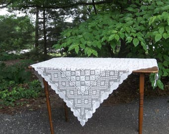 Vintage Cluny Lace Tablecloth White Lace Table Cloth 36x36 Lace Overlay Wedding Decorations Table Decor Prairie Cottage Decor French Country
