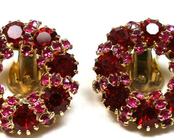 60s Rhinestone earrings, Weiss red & pink in gold, clip-on.