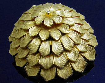 Vintage Domed Flower Brooch Layered Lisner Jewelry B7620