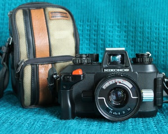 Nikonos IV-A underwater camera with Nikkor 35mm lens working