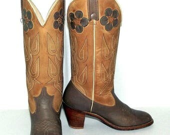 Vintage  Acme brand womens cowboy boots with flower design size 7 M