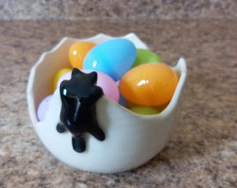 EggShell Bowl with Hanging Black Cat by misunrie