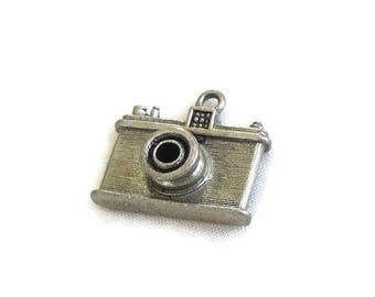 SALE Camera Charm for a Charm Bracelet Vintage