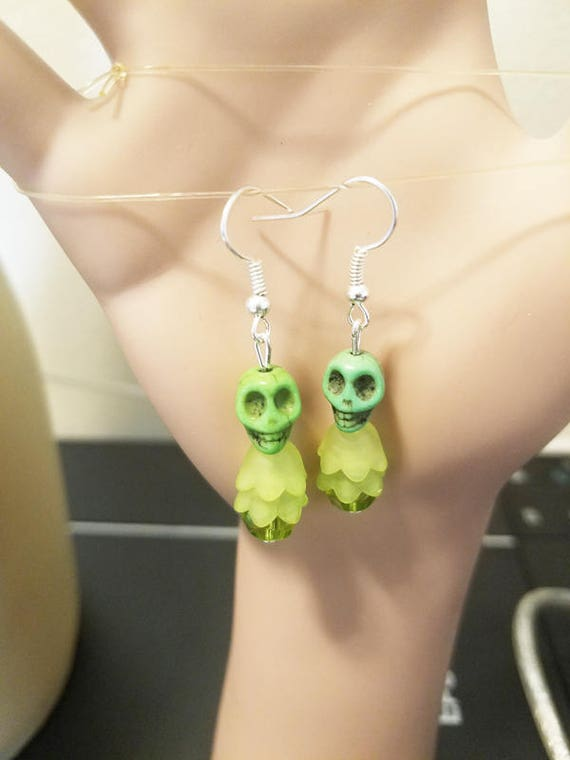 green skull flower earrings turquoise bead dangles skeleton jewelry halloween goth punk