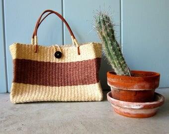 Vintage Jute Bag Natural Woven Shoulder Bag Leather Strap Market Bag Straw Weave Sisal Bag Bohemian Chic Tote Earth Tone Bucket Bag Womens