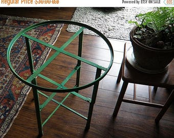 christmasinjuly Metal Round Top GREEN  Little Table for Garden or House