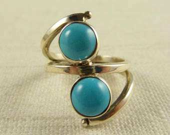 Size 8.5 Vintage Sterling and Faux Turquoise Ring