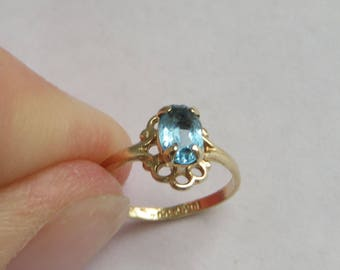 Blue Topaz Baby or small Pinky Ring in solid 10K Y Gold, size 1, free US first class shipping on vintage items