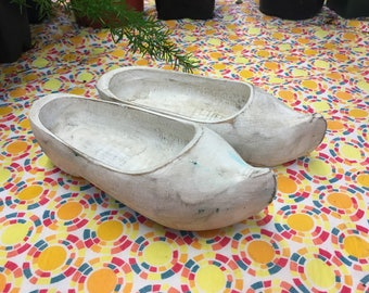 White Wooden Shoes--Dutch Farmhouse Style--Holland Wood Shoes--Chippy Style--Kitschy Decor--