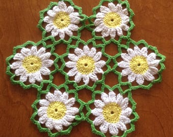 Vintage Lace Crochet Cheerful Daisy Doily, Lacy Crochet