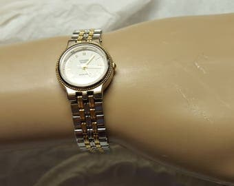 Vintage 1990's Women Citizen Water Resistant  Watch Working Gold and Silver Bracelet Band  band