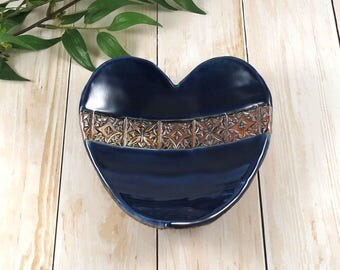 Valentine Ceramic Heart Trinket Dish, Ring Dish, Jewelry Dish, Porcelain Trinket, Jewelry Holder, Soap Dish, Gift for Her, 616