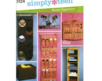 Get Organized - Sewing Pattern Simplicity #5124 - DIY Closet Organizers - 6 Different Projects - Hanging Shelves, Shoe Pockets, More - Decor