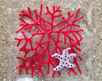 4-Part Dish, Fused Glass Tidbit Tray for Olives Nuts Cheese, Bite Size Food, Red Sea Coral, Starfish, Sea Star, Handmade, Art Glass