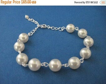 ON SALE Bridesmaid Jewelry Set of 5 Simplicity Choose Your Color Pearl Bridal Bracelet