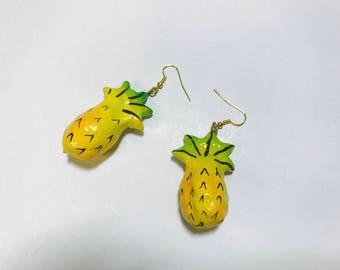 Vintage  1980s pineapple fruit earrings