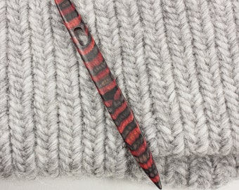 Nalbinding Needle - Color Stripes Red and Charcoal Gray - W243