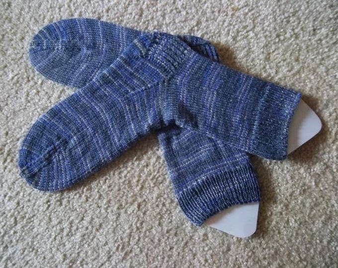 Socks - Handknitted Socks - Selfstriping Yarn in Mixed Colors of Dark Gray, Light Gray and Purple - Unisex