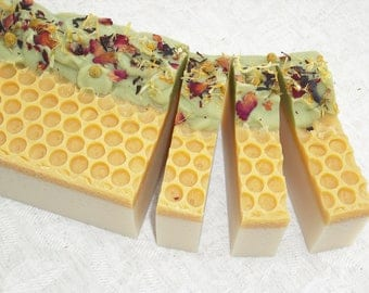 Wildflower Honey Soap / Honey Soap / Honey comb Soap / Floral Soap / Artisan Soap / Handmade Cold Process Soap