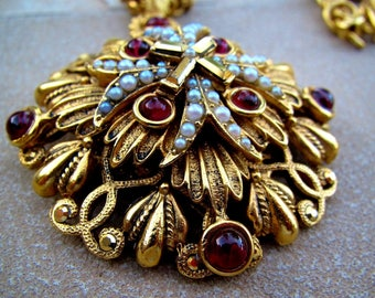 Vintage Jose & Maria Barrera Spain Etruscan Baroque Style Faux Seed Pearl Ruby Red Cabochon Medallion Necklace