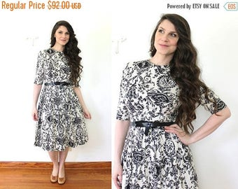ON SALE 50s Dress / 1950s Black and White Scroll Wall Art Print Full Skirt Dress