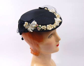Early 1950s Blue Straw Floral Hat - Tilt Hat // Late 1940s Blue and White Veiled Hat // Small brim 40s 50s