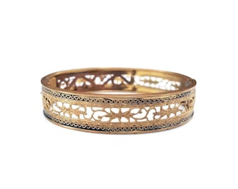 Victorian Gold Filigree Enamel Bangle Bracelet - Cheever Tweedy Co, C.T. Hallmark, Gold Plated Bangle, Taille D Epargne, Art Deco Jewelry