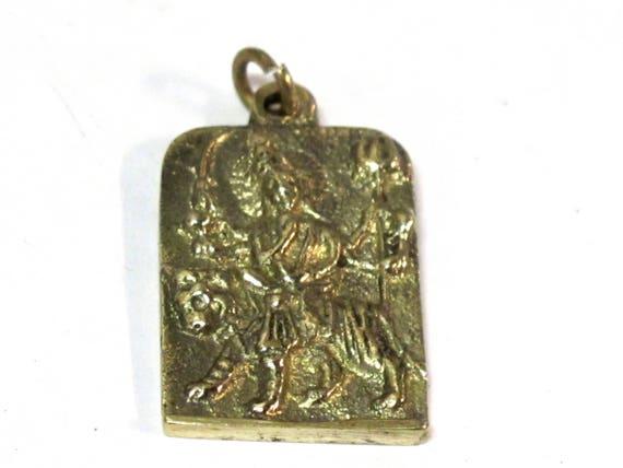 1 Pendant - Hindu Goddess Durga Maa and Om reversible Brass amulet pendant - CP114a