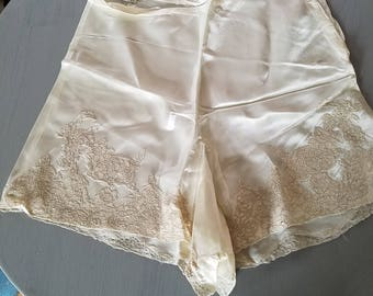 Wow Hot Vintage 1930s High Waist Tap Panties With Lace BombShell Baby