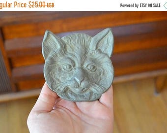 CIJ SALE 25% OFF vintage halloween style spooky cat cast metal trivet