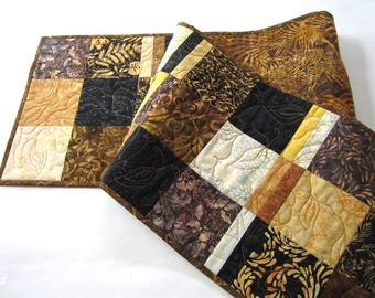 Table Runner Quilted, Batik Table Runner, Earth Tones Table Runner, Tablerunner, Home Decor, Table Runners, Table Linen, Handmade