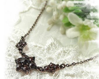 Small Vintage garnet flower necklace  // ГРАНАТ SC