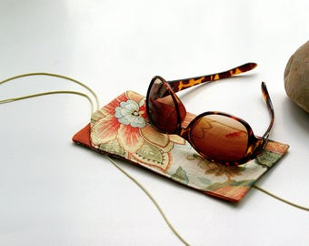 Sunglasses case in beautiful linen floral design, fabric case holder, salmon soft glasses case, teacher gift for her - ready to ship