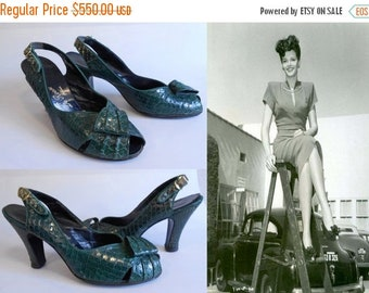 Anniversary Sale 35% Off Pin Ups Are Such a Blast - Vinage 1940s WW2 Green Reptile Snake Skin Leather Slingback Heels Pumps - 9/9.5