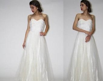 On SALE 35% Off - Vintage 1950s Wedding Dress  - Vintage Lace Wedding Dress - 50s Wedding Dress  - Strapless Long Wedding Dress  - WD0564