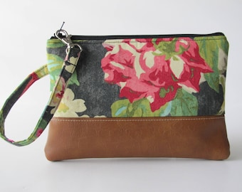 Floral Wristlet, iPhone8 Wristlet, Wristlet for iPhone, Vegan Leather Clutch Purse, Large Wristlet, Spring Wristlet, Bridesmaid Gift