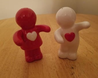 Vintage Pair of Hugging Kids Salt and Pepper Shakers