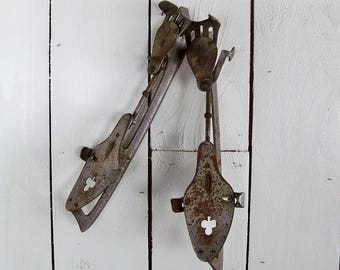 Early 20th Century Union Hardware Co. Clip-on Ice Skates with Nice Vintage Patina, Great for Rustic Lodge or Snow Sports Decor