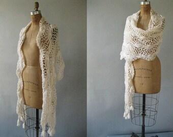 Vintage Cream Handmade Shawl - 1970s Crochet Fringe Shawl - Bridal Wrap