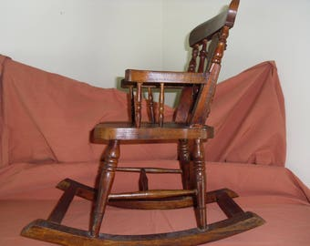 Vintage Childs Babydoll Rocking Chair. Absolutely Adorable. great Condition.