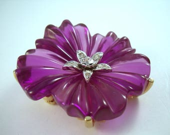 Lucious Lucite Flower brooch, purple blossom