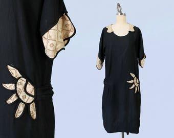 1920s Dress / 20s Cotton Day Dress / Pockets! / Deco Print Accents / L