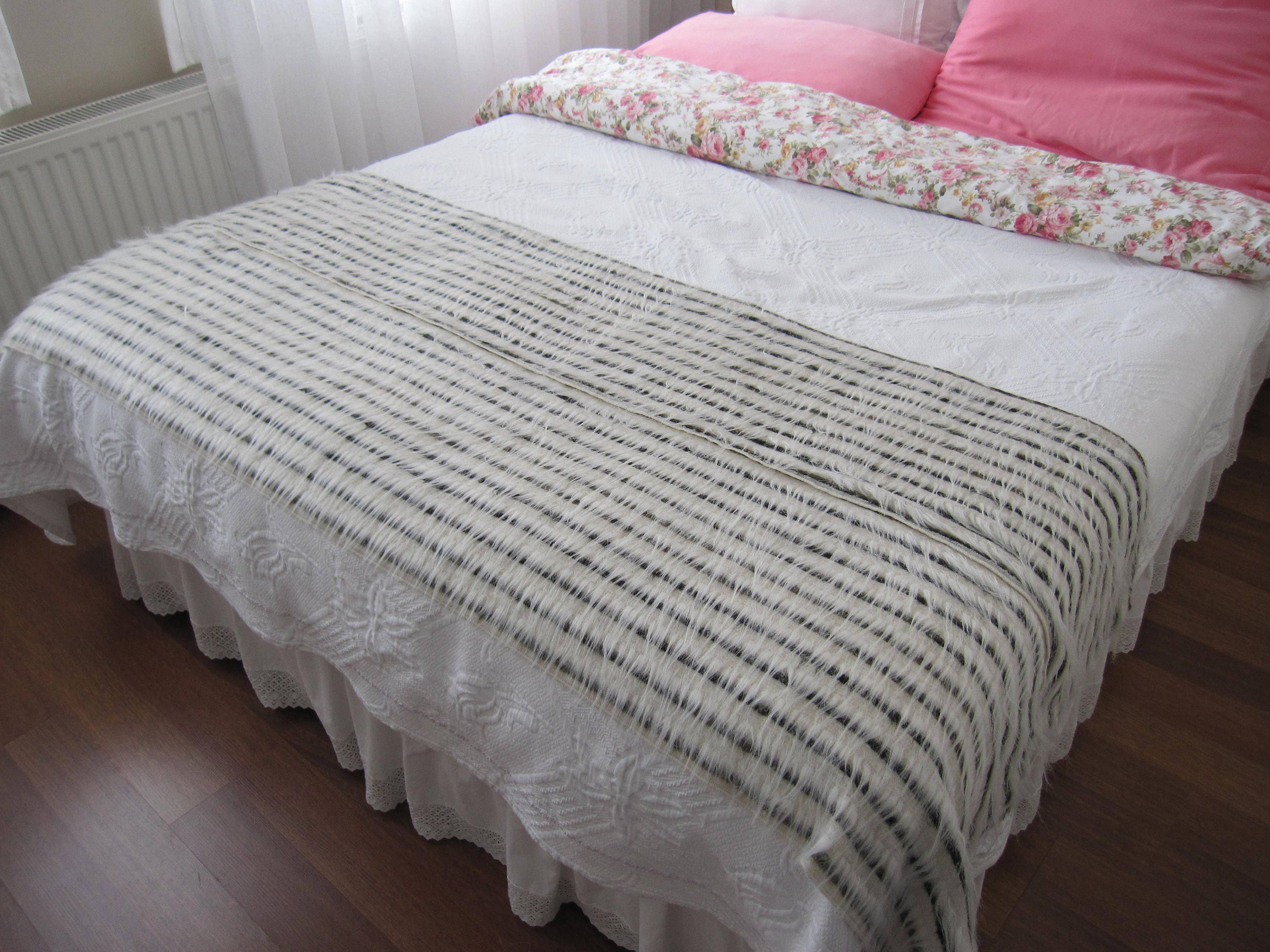 i d bed fur r bedding o u faux haired polyester b long throw pin wayfair