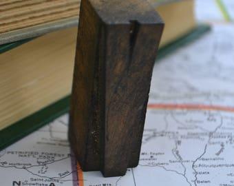 """Wood Vintage Antique Wooden Block Letterpress Type Alphabet Letter 2"""" V"""
